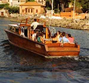 battello-traghetto-lagodibolsena (1)